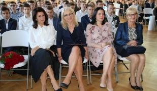 Dzień Edukacji Narodowej/Ślubowanie klas pierwszyuch w Golądkowie