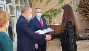 Najlepsi uczniowie ZS CKR w Starym Lubiejewie otrzymali stypendia naukowe